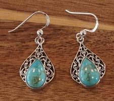 Zilveren oorbellen met turquoise stenen